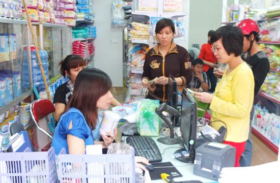 Siêu thị mini phát triển đáp ứng nhu cầu mua sắm của người dân. Ảnh: Nguyễn Anh