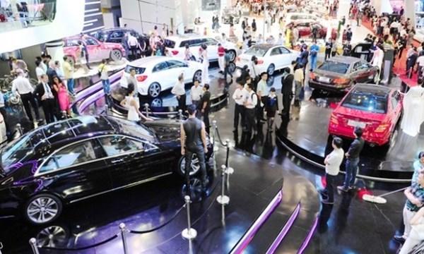 Người Việt tăng gấp đôi tiêu thụ ô tô trong 5 tháng