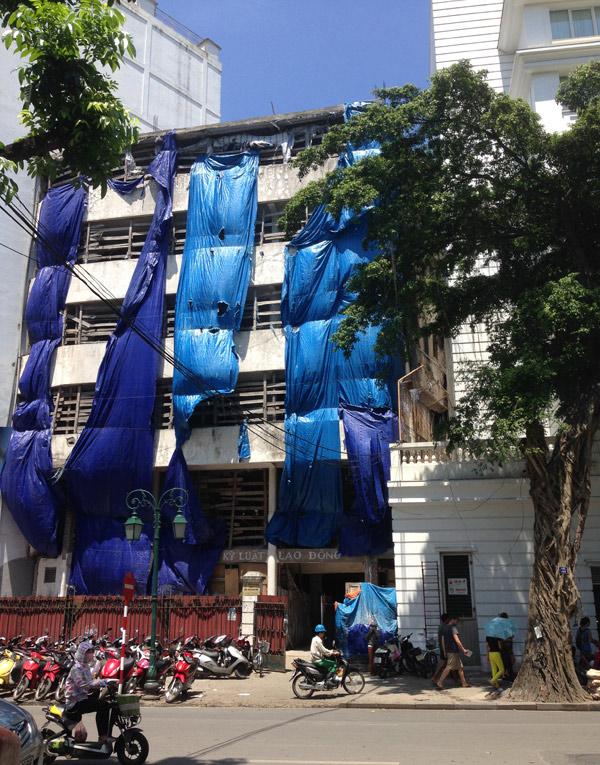Bí ẩn tòa nhà hoang trên phố cổ Hà Nội