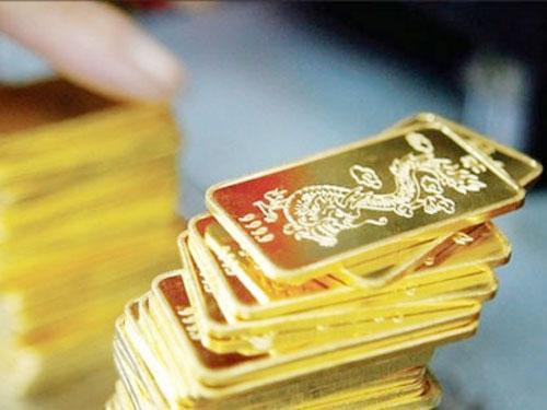 Giá vàng tiếp tục giảm giá, xuống thấp nhất 1,5 năm qua.