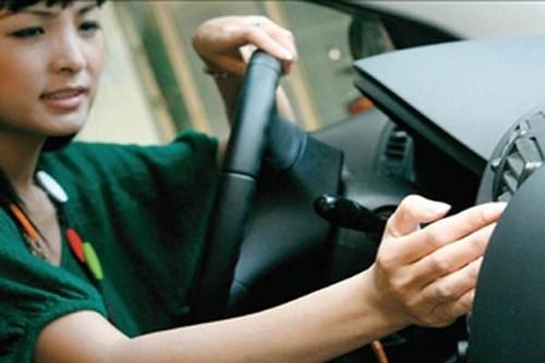 Tiết kiệm xăng nhiều hơn khi bật điều hòa chứ không phải mở cửa sổ ô tô