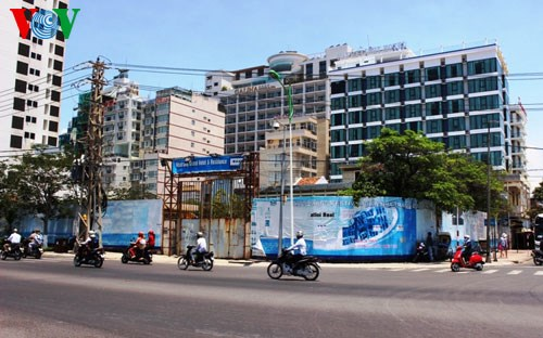 Bộ mặt nhếch nhác của một dự án treo ngay sát quảng trường 2 tháng 4 trung tâm TP Nha Trang