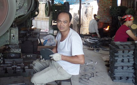 Thành triệu phú từ nghề làm sắt