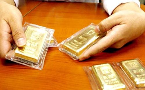 Biến động mạnh, giá vàng SJC giảm gần 1 triệu đồng/lượng
