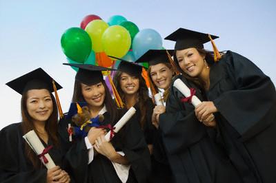 Phụ huynh Việt chi khoảng 1,8 tỷ USD/năm cho con đi du học
