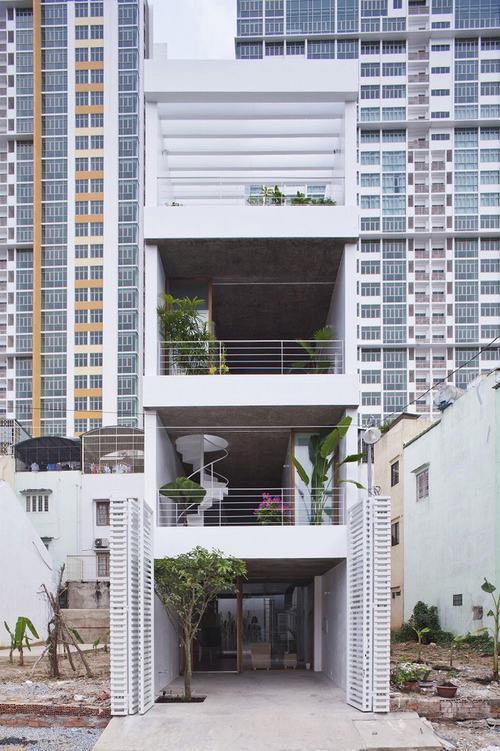 Nhà ống Sài Gòn thoáng đẹp nhờ kiến trúc kiểu Nhật