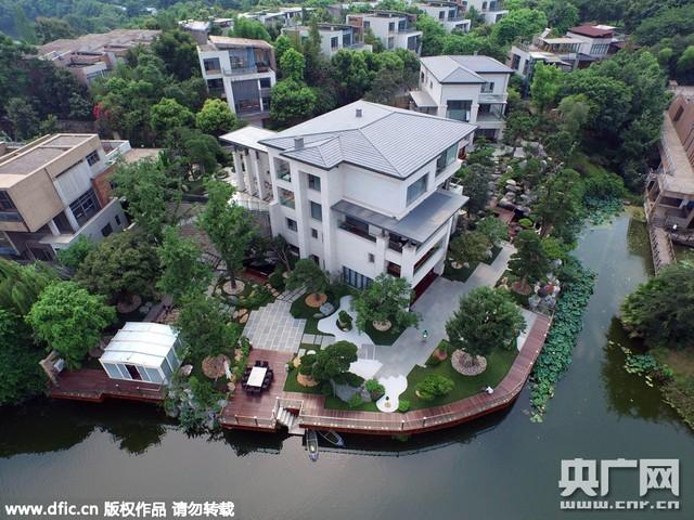 Đại gia Trung Quốc chịu chơi chi đến 285 tỷ đồng trang trí sân vườn