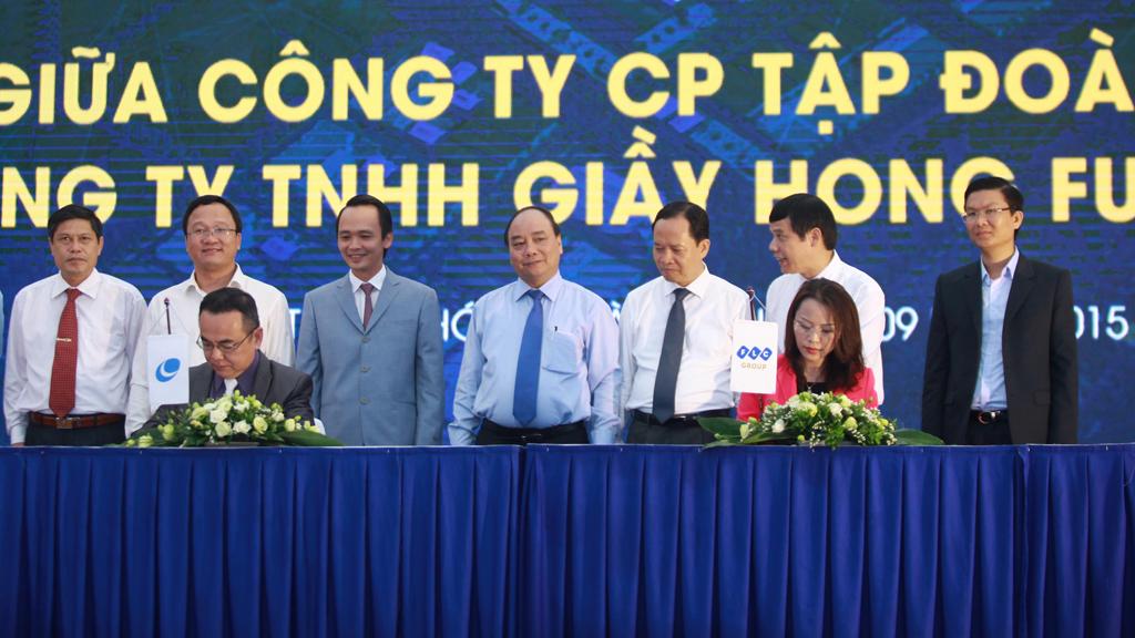 Đại diện Tập đoàn FLC và Công ty TNHH Hong Fu Việt Nam ký thỏa thuận hợp tác