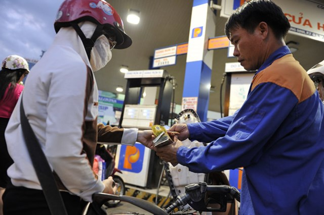 Giá xăng có cơ hội giảm 500 - 600 đồng/lít