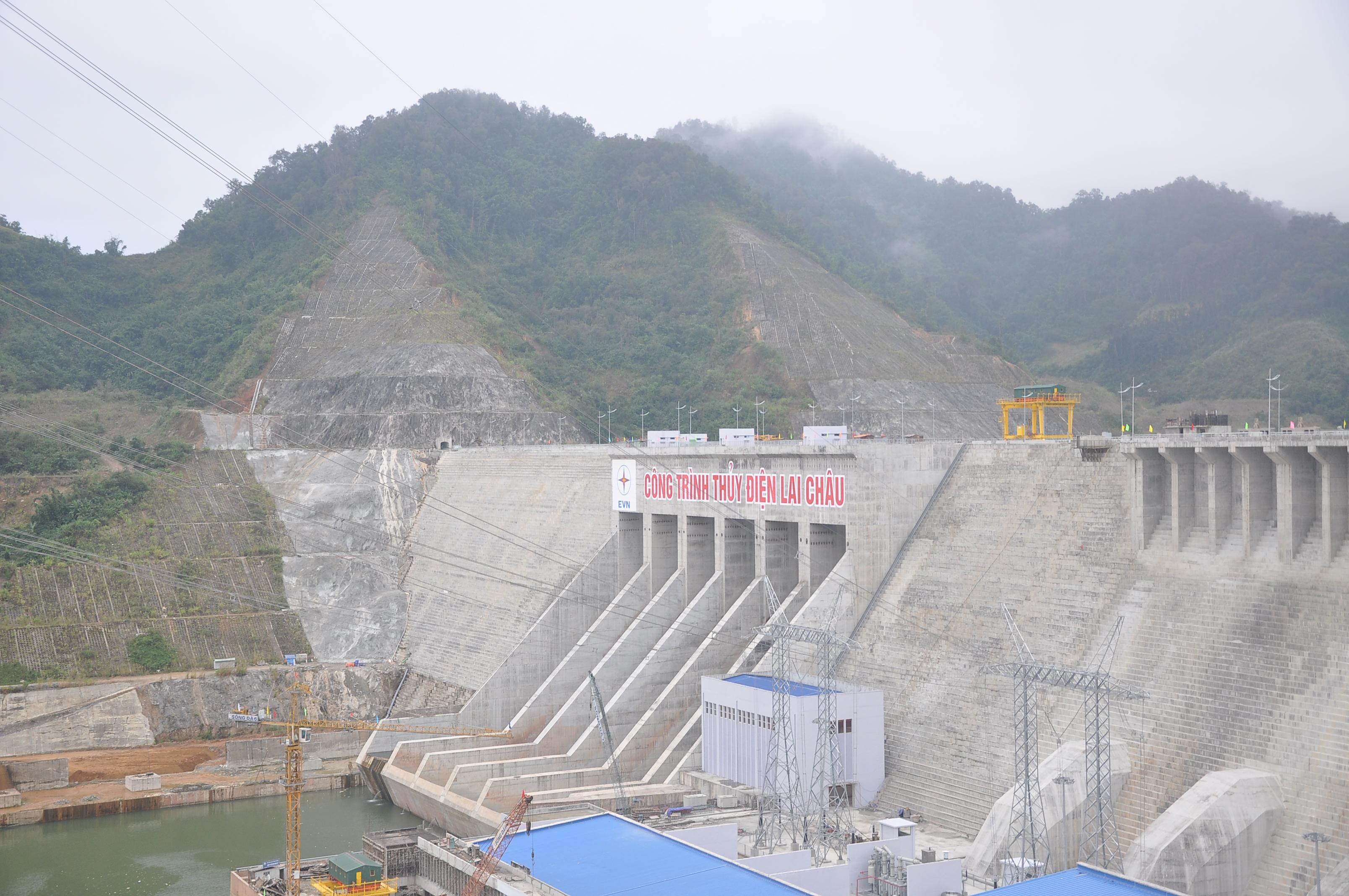Thủy điện Lai Châu là công trình Thủy điện trên thượng lưu sông Đà. Dự án nằm trên địa bàn vùng giáp biên và vùng sâu vùng xa hạng đặc biệt