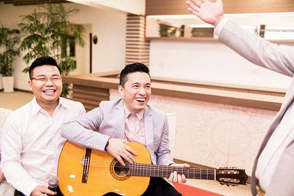 Lam Trường được mời tới hát trong đám cưới của cặp đôi này
