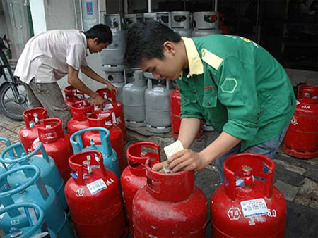 Giá gas giảm tiếp hơn 20.000 đồng/bình 12 kg