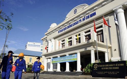 Tiền vẫn không ngừng chảy vào chứng khoán Việt Nam