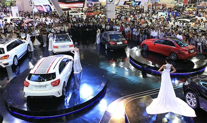 Thuế vừa giảm, người Việt đã bạo chi mua ô tô