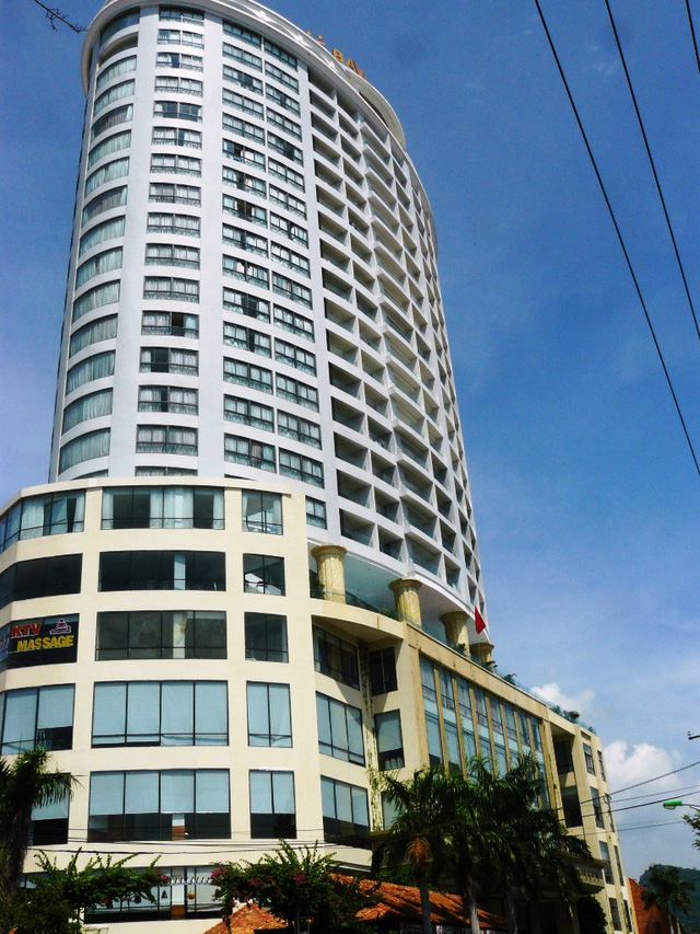 Khánh Hòa: Đề nghị rút giấy phép khách sạn 4 sao xây trên đất Quốc phòng