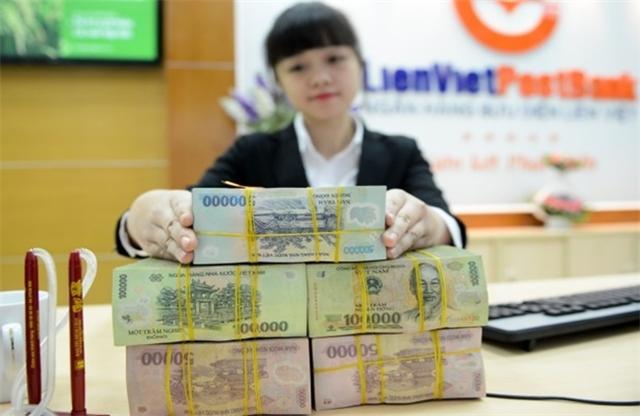 Các sếp lớn và người nhà liên tục có những động thái muốn gia tăng cổ phần nắm giữ tại LienVietPostBank (ảnh minh họa).