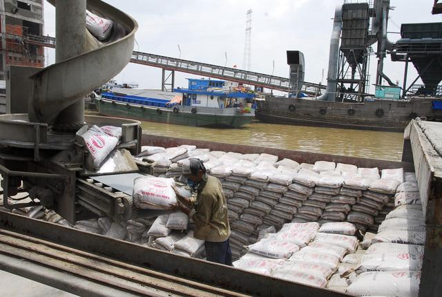 Bộ Kế hoạch đề nghị giảm thuế xuất khẩu để