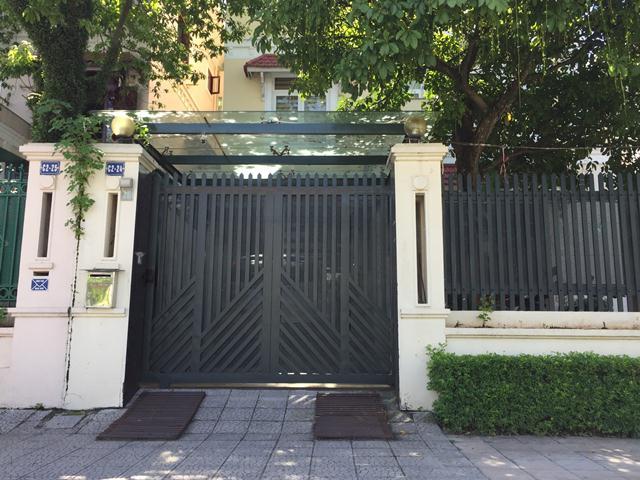 Nhà ông Trịnh Xuân Giới tại số 24, C2, Khu biệt thự Ciputra (Q.Tây Hồ, Hà Nội)