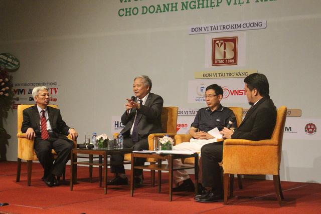 Các chuyên gia thảo luận và cho rằng DN Việt nên xây dựng và mở rộng thị trường, phát triển đầu tư cho một thương hiệu thực sự mạnh, không nên dàn trải. (Ảnh: Hồng Vân)