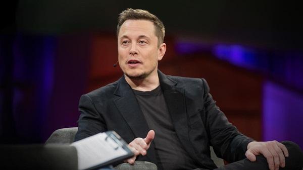 Elon Musk đam mê công nghệ từ thuở còn thơ