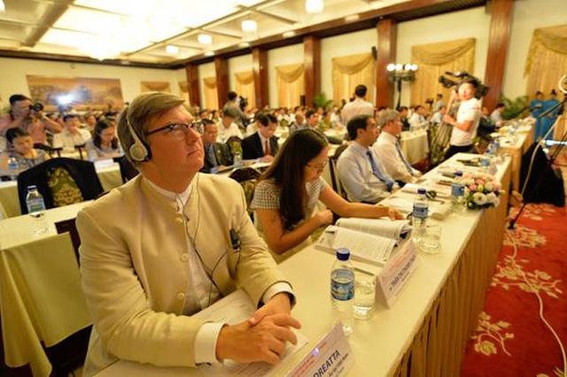 PGS.TS. Trần Đình Thiên đưa ra đề xuất: Quy hoạch lại vùng trên một tầm nhìn mới