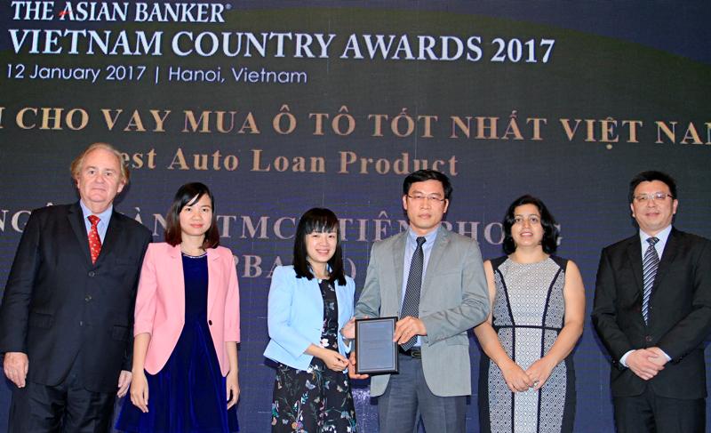 """TPBank được trao giải """"Ngân hàng có sản phẩm cho vay mua ô tô tốt nhất Việt Nam"""""""