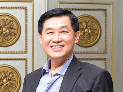 Bố chồng Hà Tăng chuyển tài sản lớn cho vợ con, Hà Văn Thắm chỉ xếp sau ông Vượng