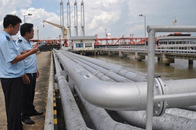 Số thu từ xăng dầu giảm mạnh.