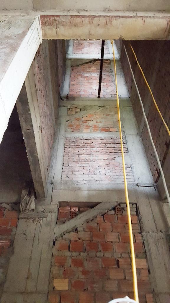 Vật liệu tập kết tại tầng hầm