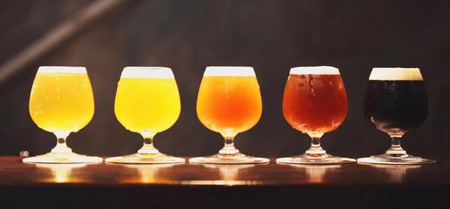 Bia sả, ớt, bia chanh leo củ dền: Hàng lạ