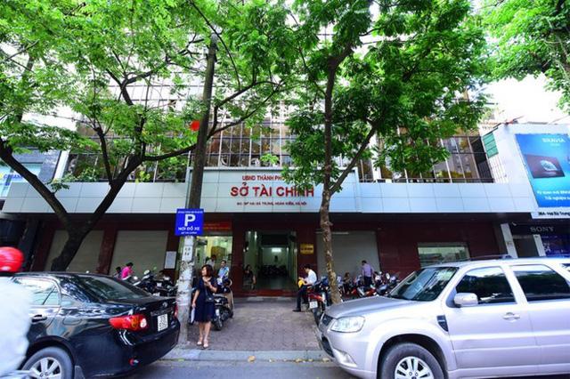 Trụ sở Sở Tài chính nằm trung tâm phố Hai Bà Trưng chỉ cách bờ hồ Hoàn Kiếm vài bước chân (ảnh Giang Huy)