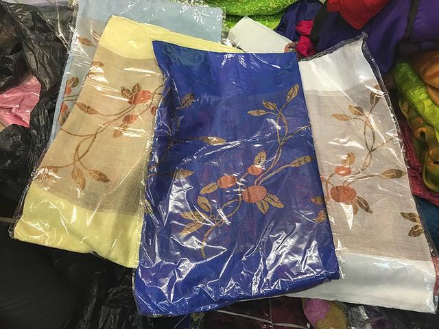 Hàng được sản xuất tại Việt Nam được gắn tem, mác.