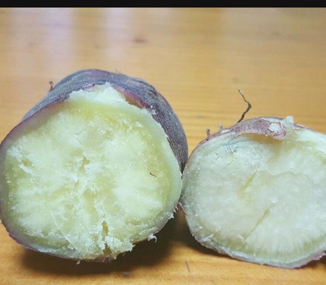 Khoai lang Hàn Quốc chẳng khác khoai Việt, sao vẫn tranh nhau mua?