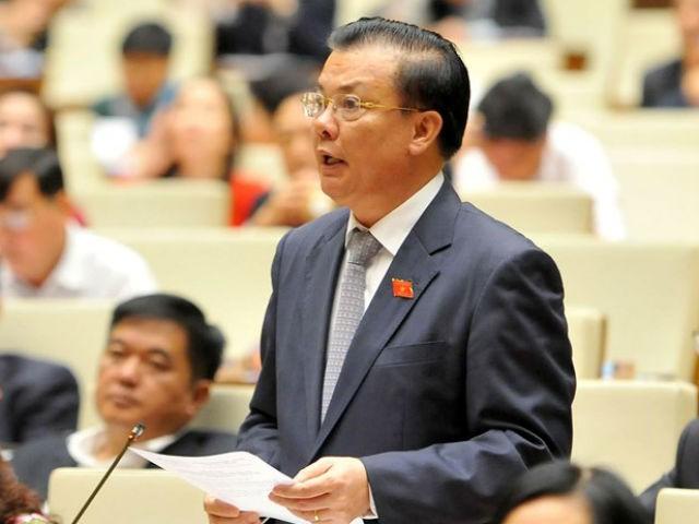 Bô trưởng Bộ Tài chính Đinh Tiến Dũng (Ảnh: Quốc hội)