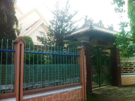 Căn biệt thự của ông Minh tại đường Minh Mạng, sau lưng đàn tế Nam Giao, thành phố Huế. (Ảnh: Nguyễn Phương - Một Thế Giới)