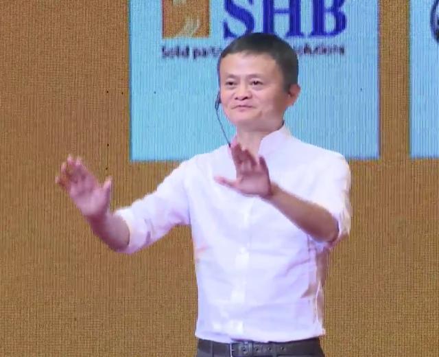 Tỷ phú Jack Ma biểu diễn một động tác Kung Fu
