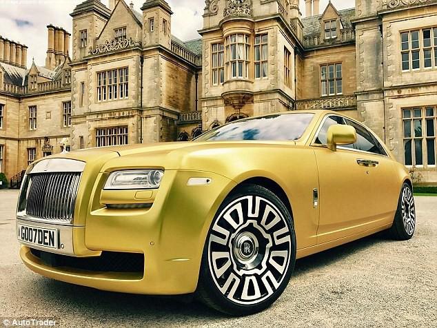 Chiếc Rolls Royce Ghost vàng được rao bán trên Autotrader với giá hơn 3,6 tỷ đồng. (Nguồn: AT)