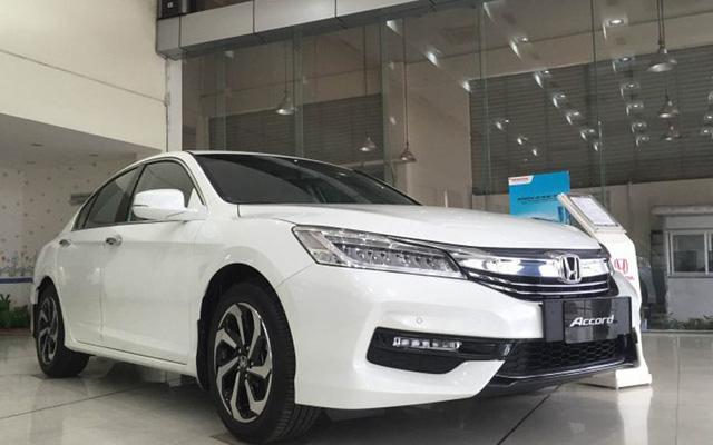 Mẫu xe hạng D Honda Accord cũng được giảm mạnh.