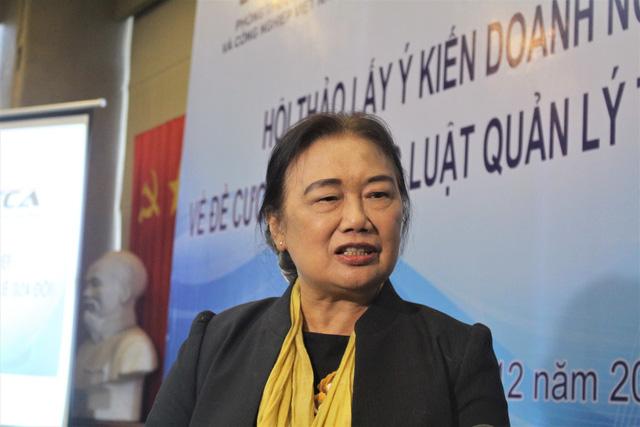 Bà Nguyễn Thị Cúc cho rằng việc gộp thu thuế và thu BHXH phải đặt trên tiêu chí lợi ích và quyền lợi chung của các bên. (Ảnh: Hồng Vân)