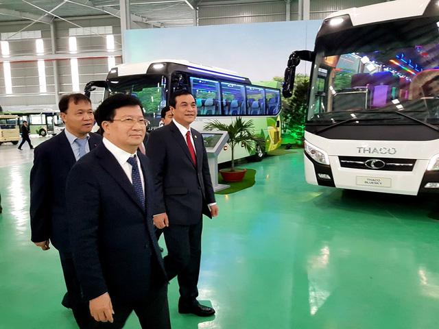 Xuất khẩu xe buýt ra thị trường Đông Nam Á