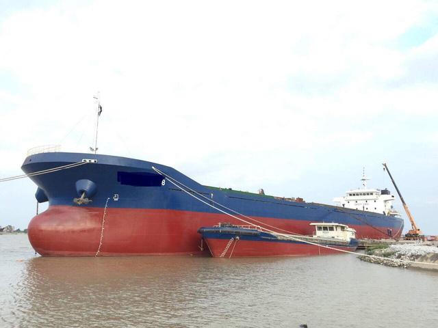 Hạ chiều cao cầu vượt sông Văn Úc, doanh nghiệp đóng tàu
