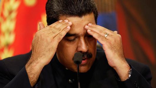 Ngành công nghiệp dầu mỏ Venezuela dường như đang bước vào một vòng xoáy chết người khiến Tổng thống Nicolas Maduro hết sức đau đầu. (Nguồn: Carlos Garcia Rawlins)