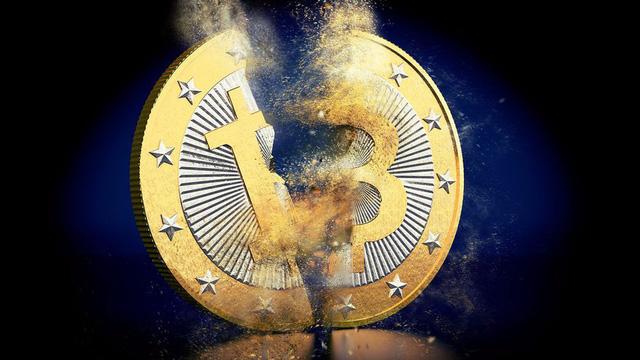 Bitcoin mất giá hơn 40% trong 5 ngày, nhà đầu tư tháo chạy