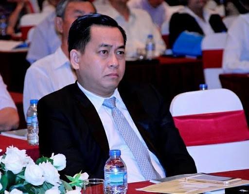 Phan Văn Anh Vũ (Vũ nhôm) đang bị truy nã và bị khởi tố vì hành vi cố ý làm lộ tài liệu bí mật nhà nước.