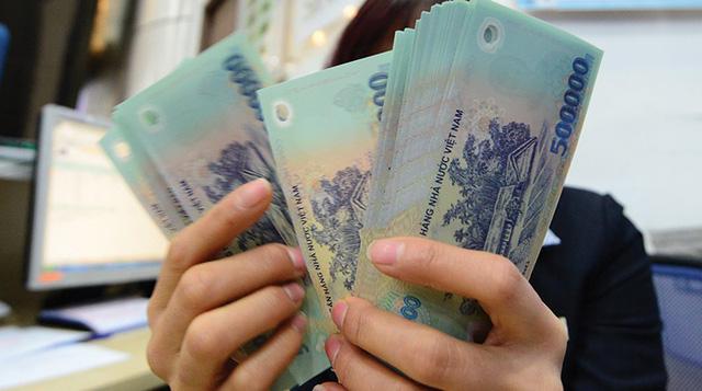 """Thời tiền mặt là vua, chi hàng trăm tỷ đồng """"thưởng Tết"""" cổ đông"""