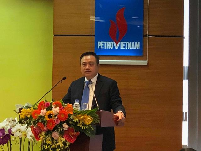 Tân Chủ tịch PVN cam kết sẽ cùng ban lãnh đạo PVN tập trung chỉ đạo sản xuất, kinh doanh, hoàn thành nhiệm vụ Thủ tướng giao