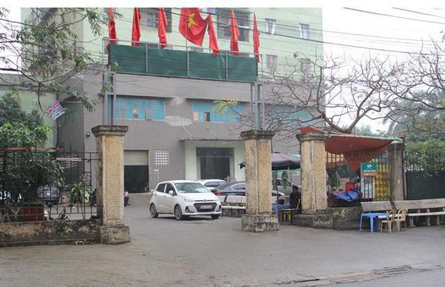 Sân các khu chung cư thành nơi trông giữ xe.