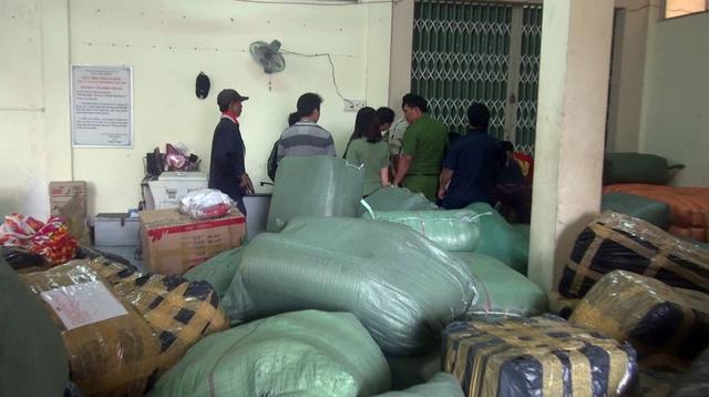 Phú Yên  Bắt giữ lô hàng mỹ phẩm không rõ nguồn gốc trị giá hơn 300 triệu đồng
