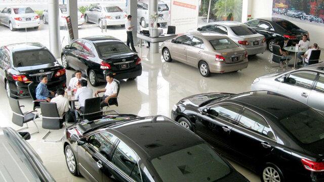 Giảm giá cứu doanh số bất thành, nhiều đại gia xe hơi Việt bắt đầu