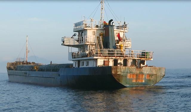 Quảng Nam: Tạm giữ tàu chở hơn 1.800 tấn lương thực không rõ nguồn gốc